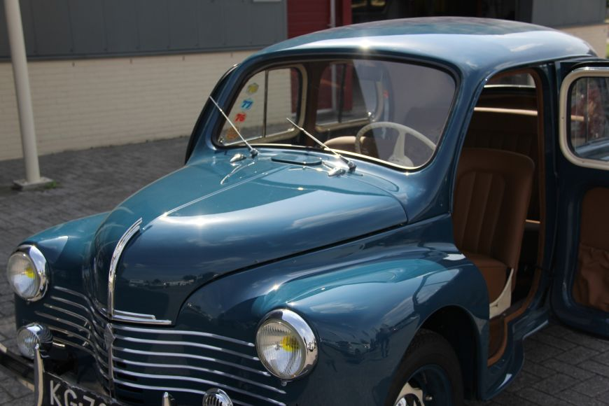 renault 4cv 1947 tony de bruijn bekledingen. Black Bedroom Furniture Sets. Home Design Ideas
